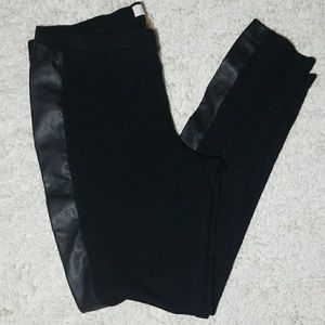 Two by Vince Camuto faux leather panel leggings M